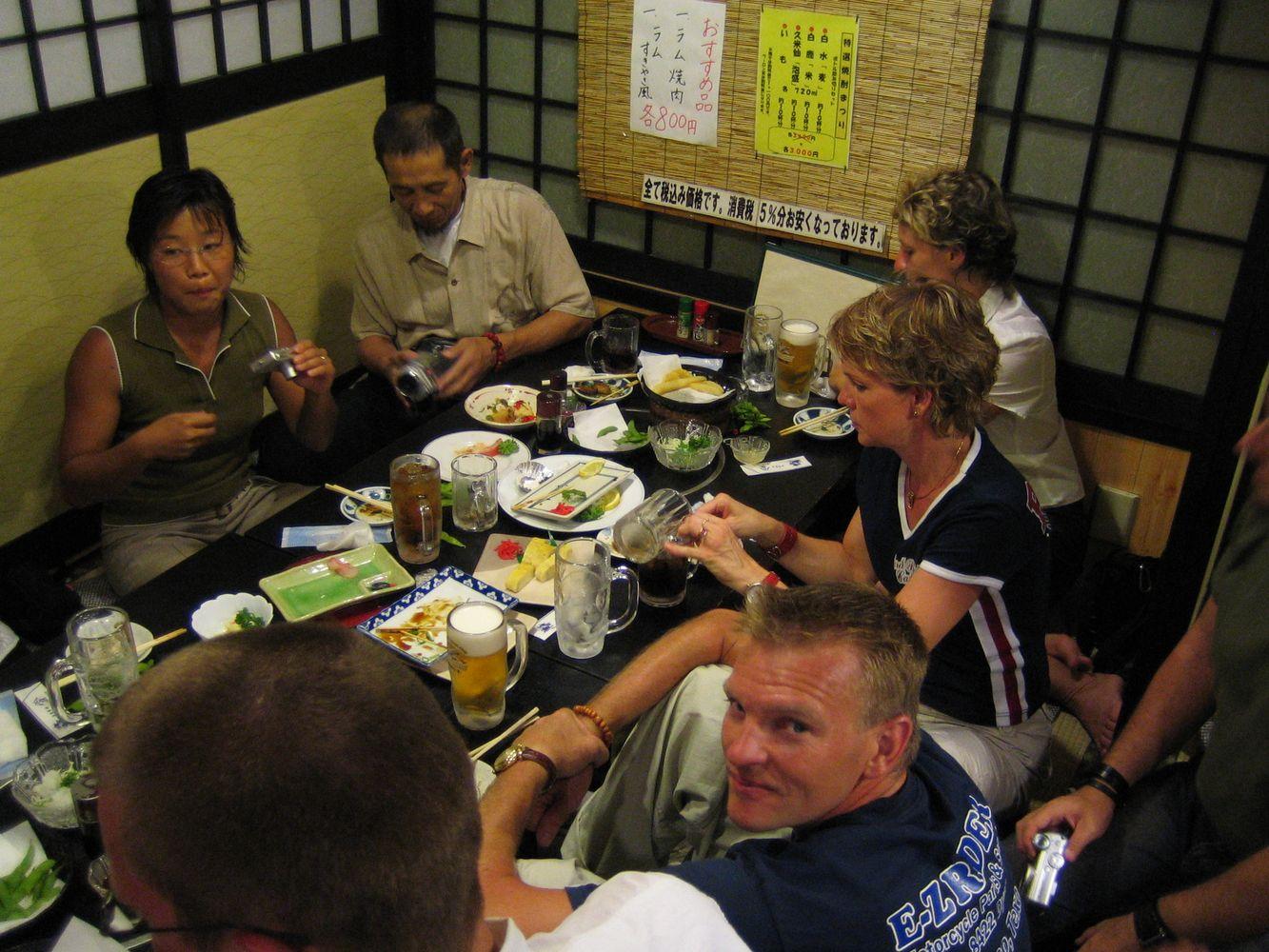 Sushi-Essen in der Gruppe