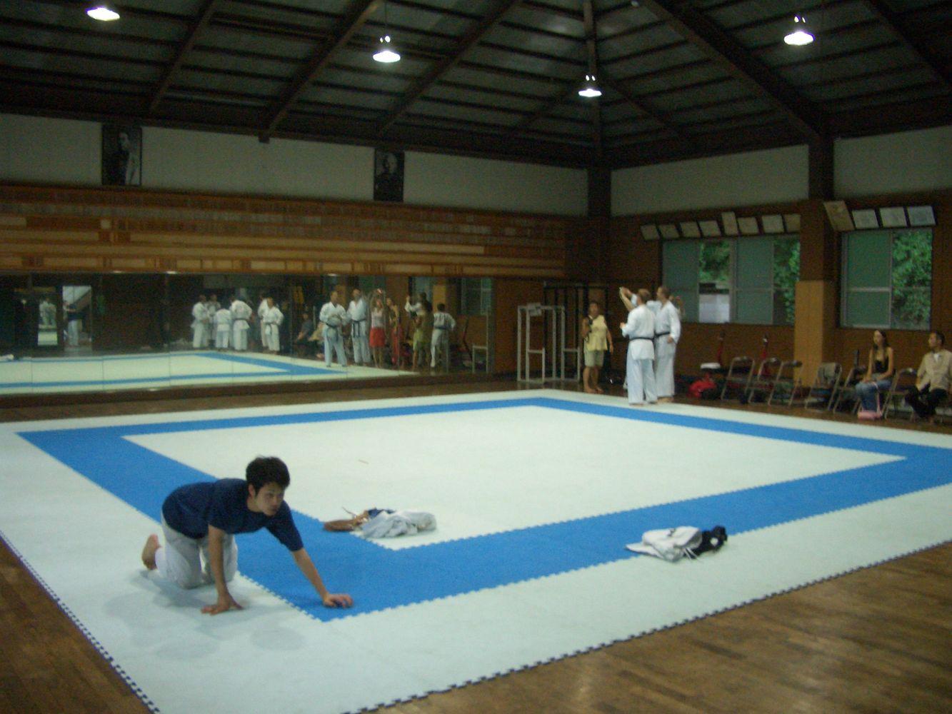 Training im ältesten Karate-Dojo