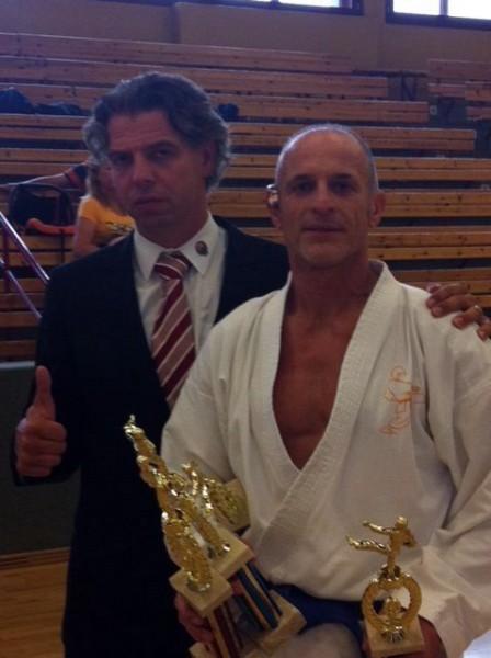 Dieter Ebner mit Klaus Nonnemacher (Präsident des Verbands World Kickboxing and Karate Association (WKA))