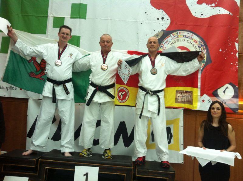 Bronze-Medaille bei der Karate-Weltmeisterschaft 2014 in London für Dieter Ebner